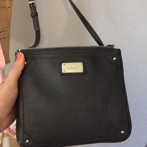 👜 Nine West cross body